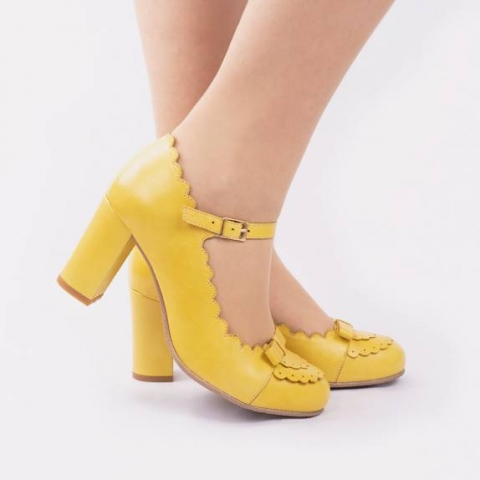 penelope-yellow-retro-heels.jpg