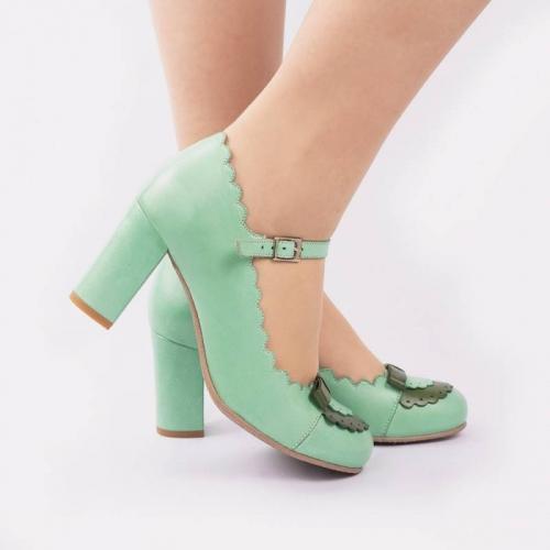 penelope-green-duotone-retro-heels (3).jpg